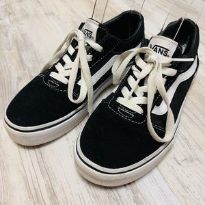 Vans Old Skool Black and White Sneakers Youth 2